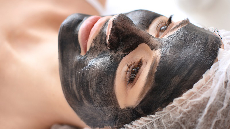 Carbon Laser Facial at EvolvMD in Wauwatosa, WI uses the newest laser technology available to exfoliate skin and kill acne-causing bacteria. Skin will have be smoother, have a more even tone and an instant glow.