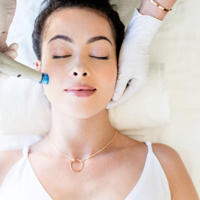 Hydrafacials at EvolvMD offer a six in one targeted facial for skin. This treatment hydrates, exfoliates, rejuvenates and more.